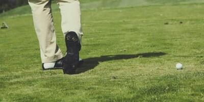 Tipps, um die Golfausrüstung in Form zu bringen: Spikes erneuern
